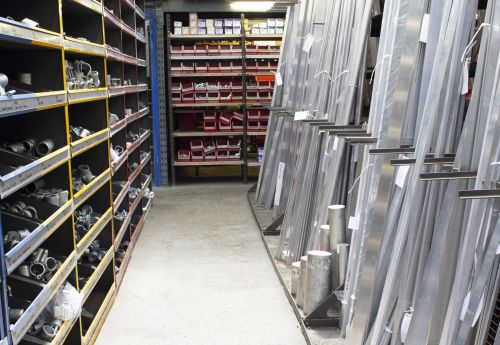 12737 : Metal Stockholder combined with Hardware Supplies Store