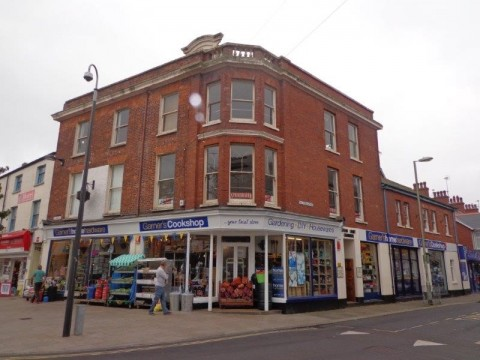 SOLD : Freehold Commercial Property with Attractive Income Occupying Centrally Located Corner Site